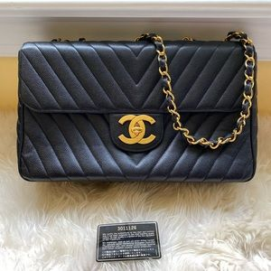 Pre-loved Authentic vintage Chanel maxi flap bag